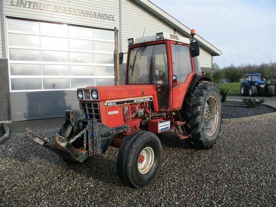 IH, 956 XL Med frontlift, timer 8750