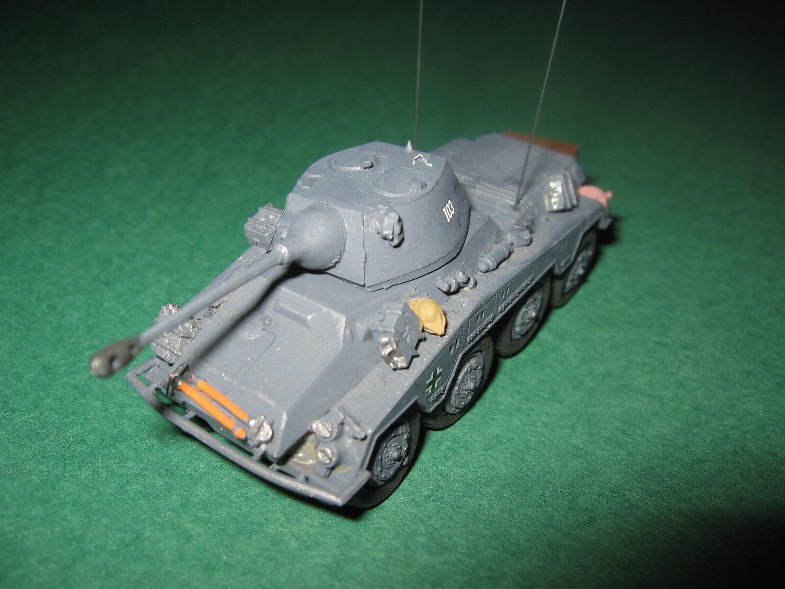 Sd Kfz. 234 2 Panzerspähwagen PUMA, 1944 in Niederlande. (Fertigmodell 1 72)