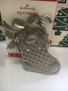 Calcetin-Navidad-Metal-Navidad-Hallmark-Recuerdo-Ornamento-Nuevo-en-caja
