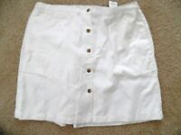 Cabin Creek White Front Buttons Skirt Shorts Sz 14