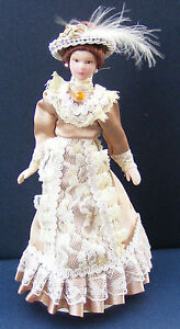 1-12-Scale-Lady-In-A-Light-Brown-Dress-Tumdee-Dolls-House-Miniature-Doll-F