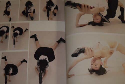 """JAPAN Pose book Real Action Pose Collection 01 /""""School Girl Action-Hen/"""""""