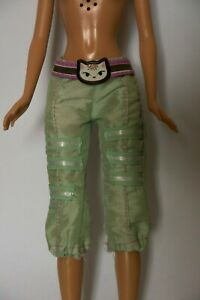 Barbie-Doll-Clothes-Cropped-Green-Trousers-Capri-Pants-with-Cat-Belt