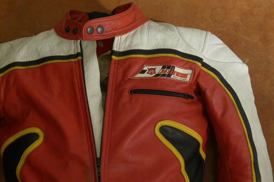 Dragt, Dainese, str. 48