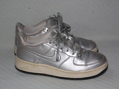 arriving classic fit look out for Youth size 7Y GS Nike Air Force 1 SE Metallic Silver Lace Up Sneakers  877083-001   eBay
