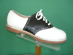 Spalding Black & White Saddle shoes 6.5C