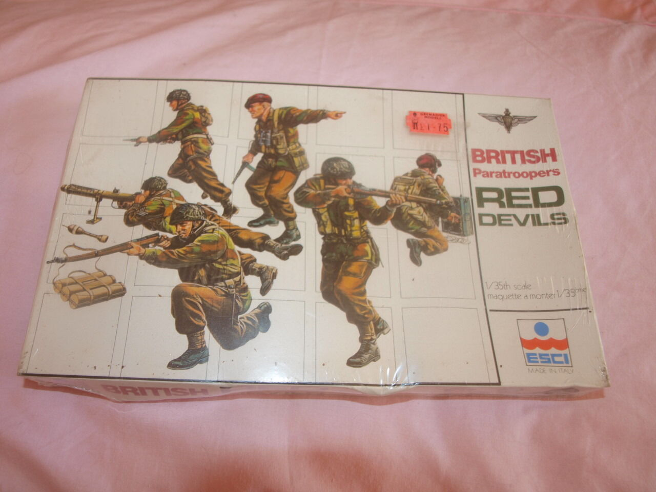 RARE FACTORY SEALED VINTAGE 1970S ESCI BRITISH PARATROOPERS RED DEVILS 1 35.