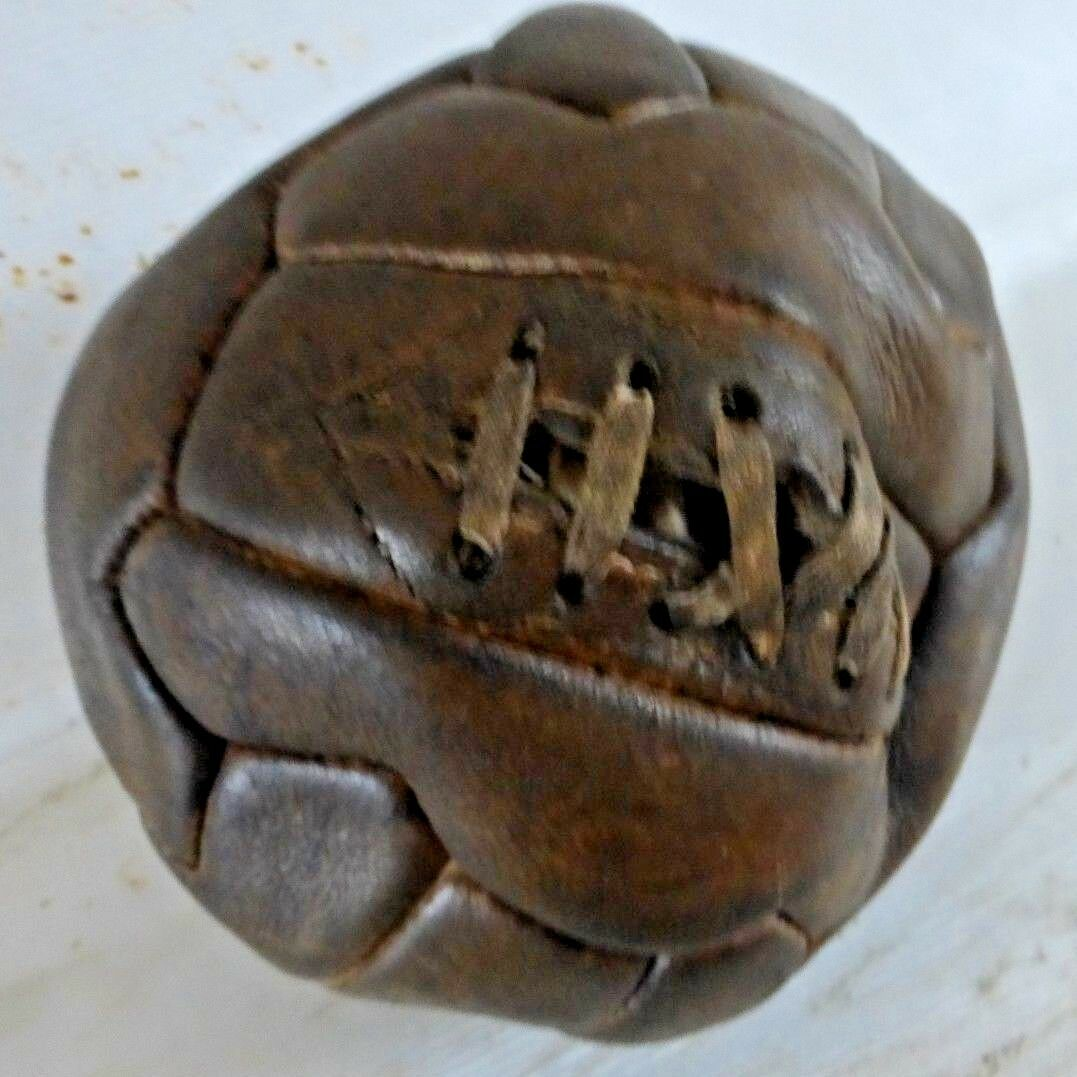 1940s 1950s FOOTBALL ORIGINAL CASE LACE UP LEATHER VINTAGE ANTIQUE FOOTBALL 1950s BALL 0f00ed