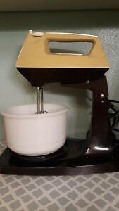 Vintage-Sunbeam-Mixmaster-Stand-Mixer-Yellow-Milk-Glass-Bowl-MCM