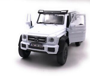 Mercedes-Benz-g63-6x6-AMG-blanc-voiture-miniature-avec-Desir-d-039-immatriculation-echelle-1-34
