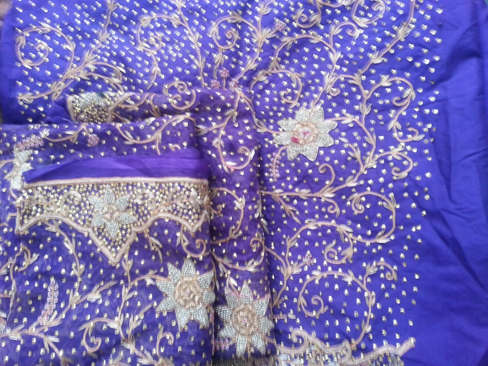 JOB ALL NEW LOT 2 Sari 1 Shawl 4 Ladies Suits all unsewn items some with bangles