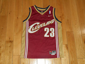 714994947a26 Image is loading Vintage-2003-NIKE-LEBRON-JAMES-CLEVELAND-CAVALIERS-NBA-