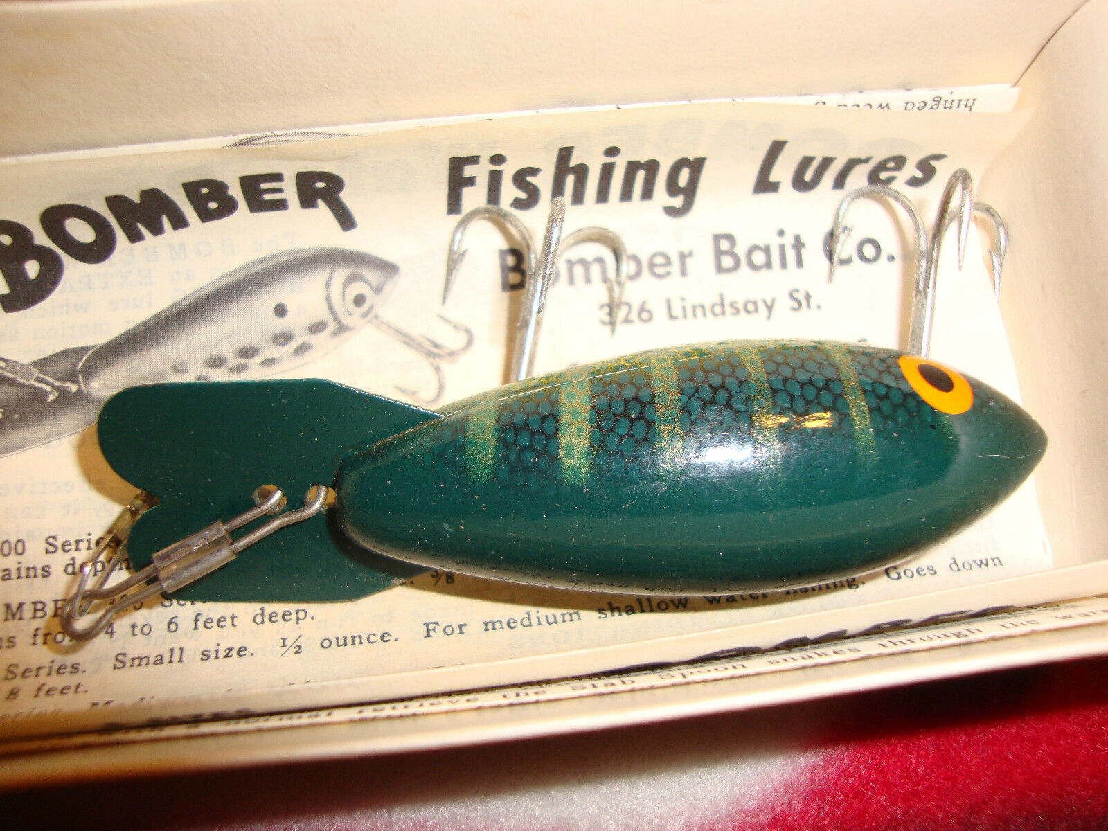 BOMBER BAIT Co. BOMBER VINTAGE FISHING LURE with ORIGINAL BOX color 405