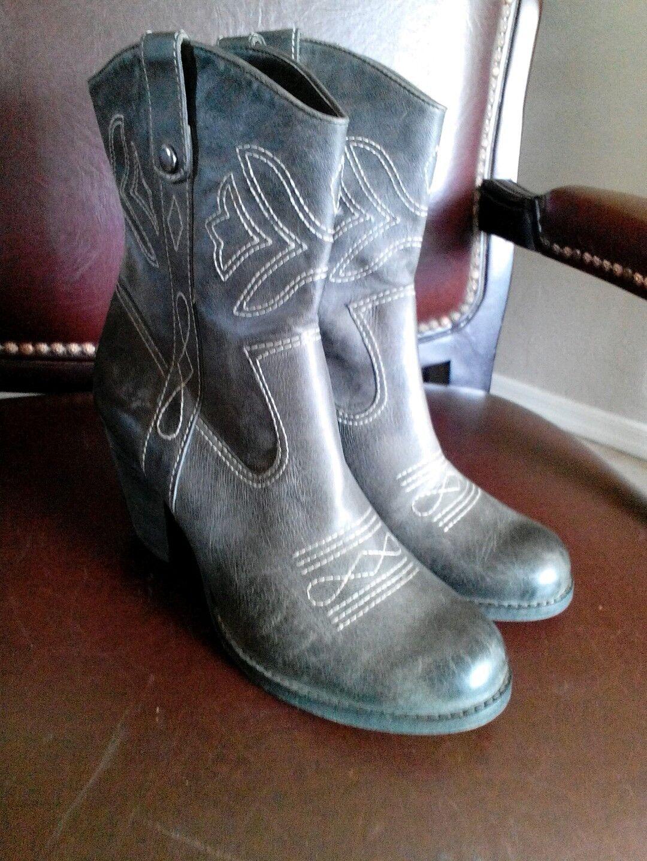 Gianne Bini Damenschuhe Distressed Gray Leder Stiefel Stacked Heel Größe 10 M