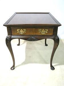 Drexel-Heritage-Chippendale-Style-End-Table-Mahogany-amp-Burl-Wood-Veneers