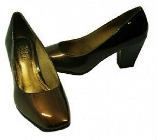 Life Stride Shaw brown patent pumps 2.5