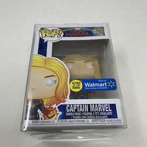 Funko-POP-Captain-Marvel-432-Glow-In-The-Dark-Walmart-Exclusive-With-Protector