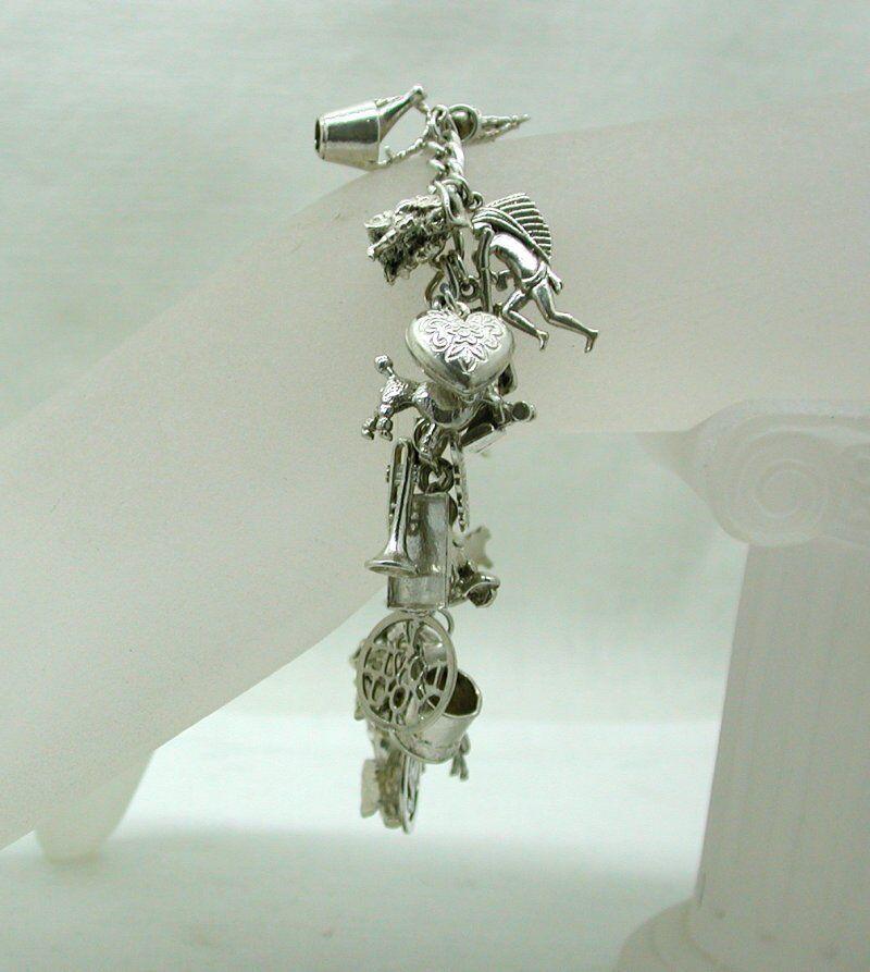 VINTAGE pesante in argentoo Bracciale con Charm imballato imballato imballato con ventotto argentoo Charms 7e6c02