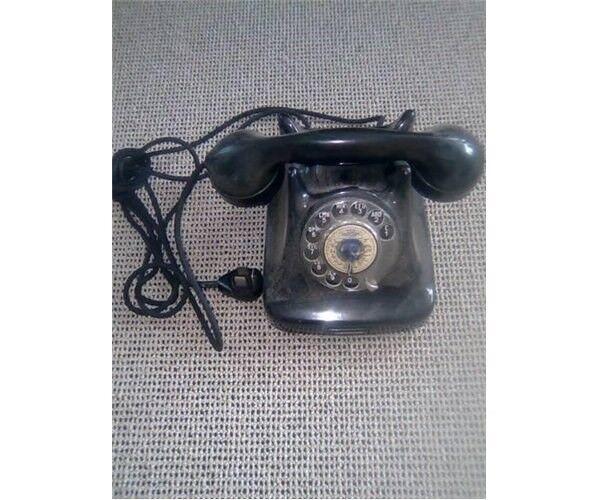 Andre samleobjekter, Gammel telefon med drejeskive