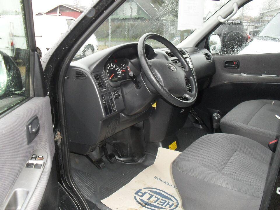 Toyota HiAce 2,5 D-4D 95 kort Diesel modelår 2011 Sortmetal