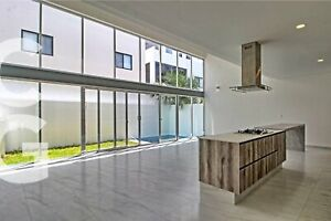 Casa en Venta en Cancun en Residencial Aqua de 3 Recamaras y alberca