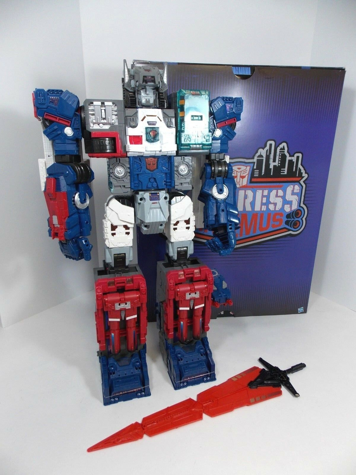 TRANSFORMERS TITANS RETURN FORTRESS MAXIMUS SDCC 2016 EXCLUSIVE W ORIGINAL BOX