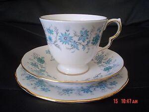 Very-Pretty-Colclough-BRAGANZA-Trio-Blue-Floral-Flowers
