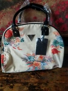 15b8b76a2916 NEW GUESS Furrina Shopper Dome Laptop Computer Tote Weekender Floral ...