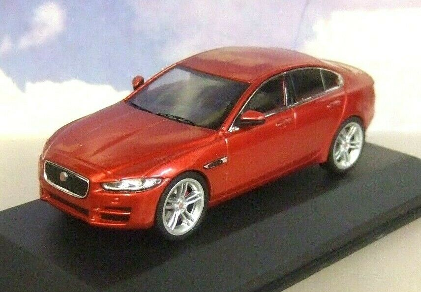 PREMUIM-X IXO 1 43 DIECAST 2015 JAGUAR XE ITALIAN RACING rot JAGUAR DEALER MODEL