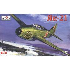 YAK-21 SOVIET JET FIGHTER (YAKOVLEV DESIGN BUREAU) 1/72 AMODEL 7247