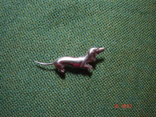 Anstecknadel Hutabzeichen Jagd Wandern Dackel Hund Jagdhund