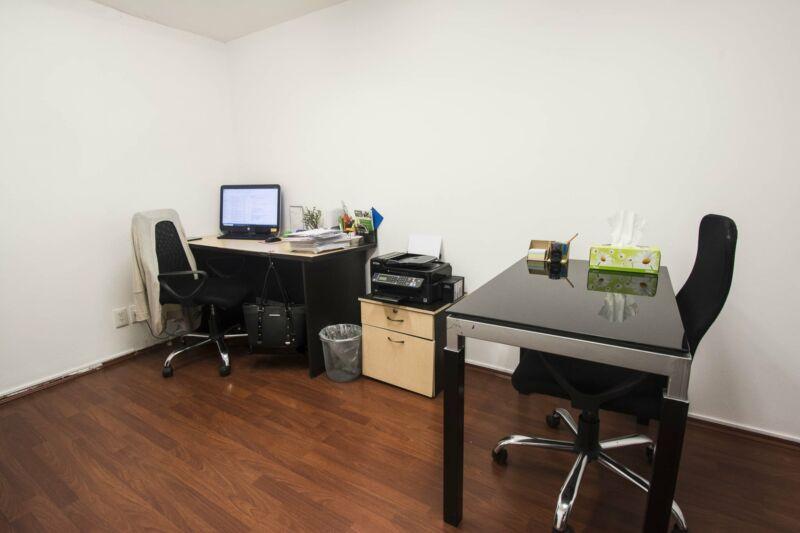 114 Se renta hermosa oficina en esquina de piso en Hipódromo Condesa