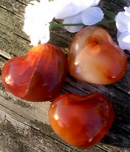 62g-3-PRETTY-RED-CARNELIAN-CRYSTAL-POLISHED-HEALING-HEART-STONES-Russia