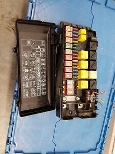 Details about Land Rover Discovery 2 Under hood Fuse box 99 00 01 02 on