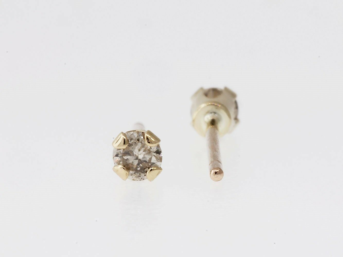 0.10ct Round Cut Diamond Stud Earrings JK I1 10k Yellow gold Clearance 4-Prong
