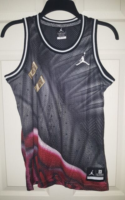 d51be1946a1752 NWT BOYS MICHAEL JORDAN 23 JUMPMAN NIKE TANK TOP SLEEVELESS JERSEY SHIRT  Large