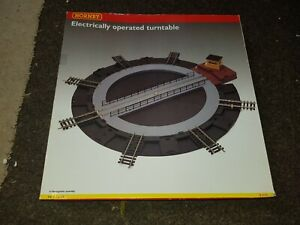 OO Gauge HORNBY R070 Electrically OPERATING TURNTABLE with extra tracks boxed