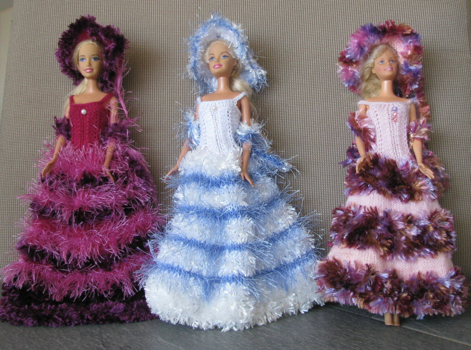 3 robes longues pour barbie princesse chapeau boa  uniques  made in France 33