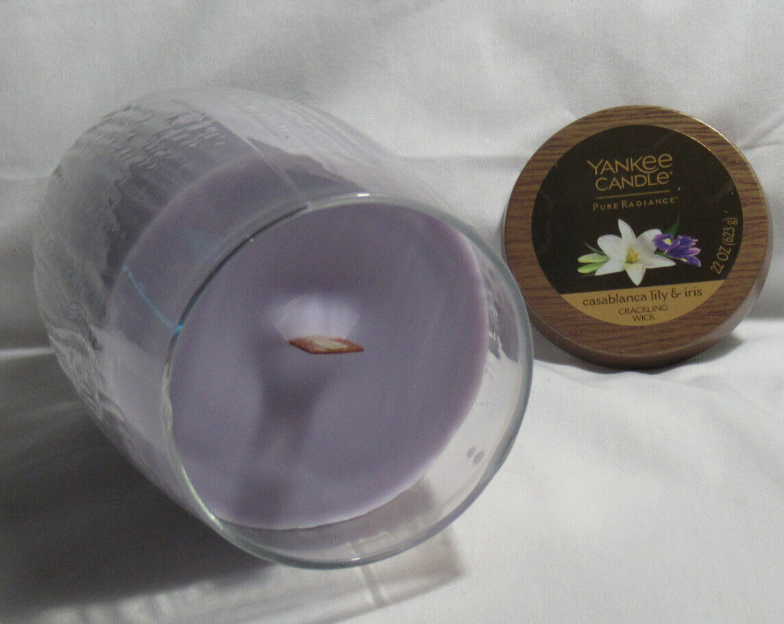 Yankee Candle Pure Radiance Crackling CASABLANCA LILY /& IRIS Large Jar Purple 22