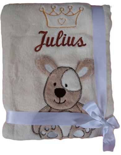 Babydecke beige Hund mit Namen Julius bestickt Motiv Krone Taufe Geburt  Baby