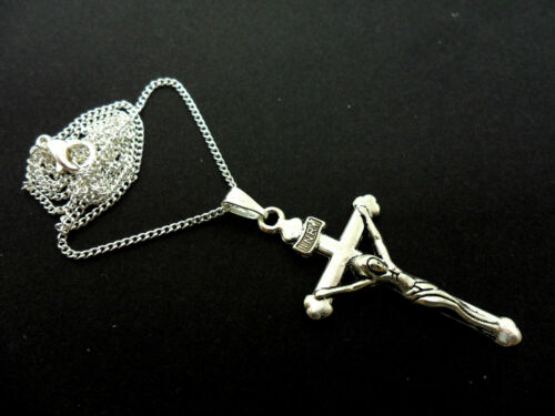 """A LOVELY TIBETAN SILVER  CROSS//CRUCIFIX NECKLACE ON AN 18/"""" CHAIN NEW."""