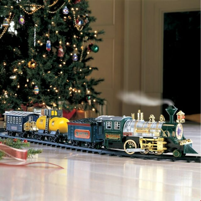 Christmas Train.Traditional Around The Christmas Tree Train Set Decoration Music Sound Lights