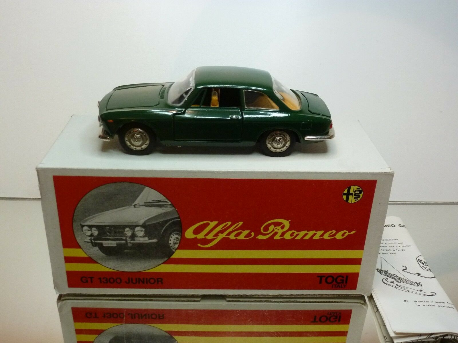 TOGI 8 65 ALFA ROMEO GIULIA GT - DARK verde 1 23 - EXCELLENT CONDITION IN BOX