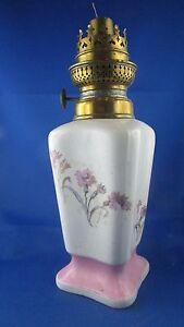100% De Qualité Ancienne Lampe A Petrole En Porcelaine Blanche Decor Floral Xixe Wc & Cie 26cm ArôMe Parfumé