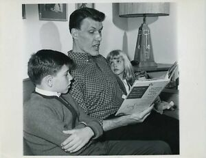 ted cassidy with his children the addams family original