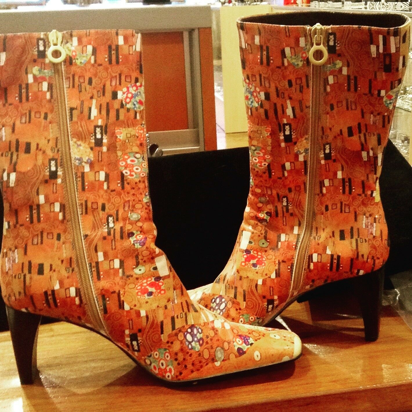 FANTASTIC ICON KNEE-HIGH KLIMT BOOTS!!!  WORN ONLY ONCE! SZ 9!!!