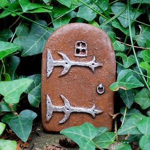 Magical-Fairy-Doorway-Small-Miniature-Brown-Hobbit-Elf-Door-Skirting-Board-Trees