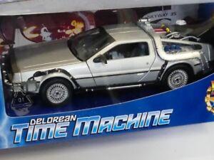 1-24-Welly-Delorean-Time-Machine-Back-to-the-Future-II-129139