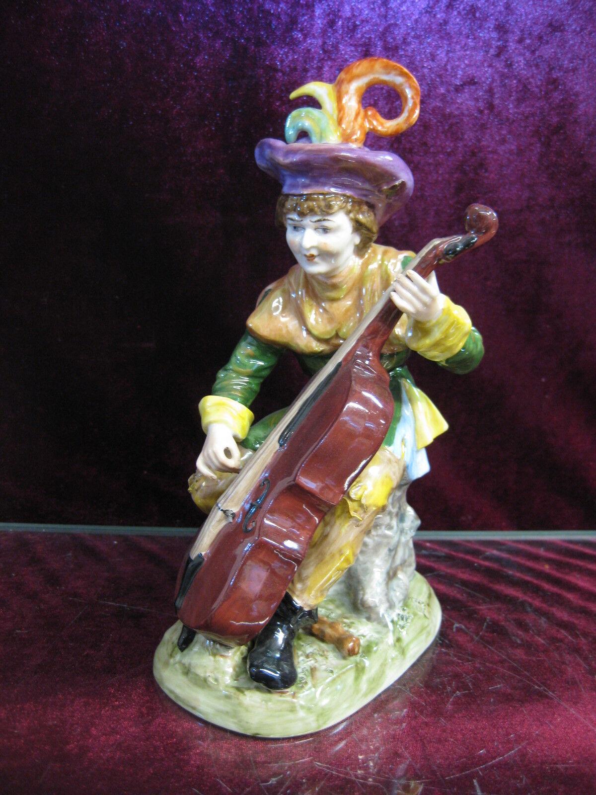 Capo di Monte mendiant Bass violoncelle violon musicien personnage volkstedt Ernst Haricot