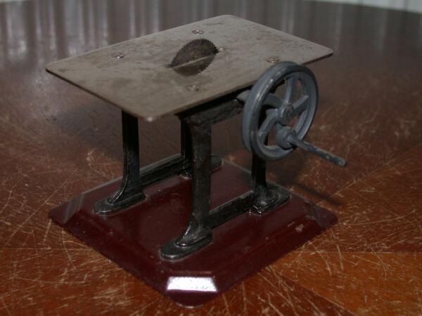 Analytisch Bing Antriebsmodell Kreissäge - Um 1912 / Originaler Topzustand! Geschickte Herstellung